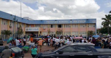 BOA VIAGEM – Professores protestam contra atos arbitrários da prefeita
