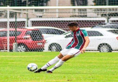 Garoto Boa-viagense assina contrato com o Fluminense/RJ