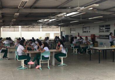 PRESENCIAL – Escola Profissionalizante volta as aulas com alunos em salas